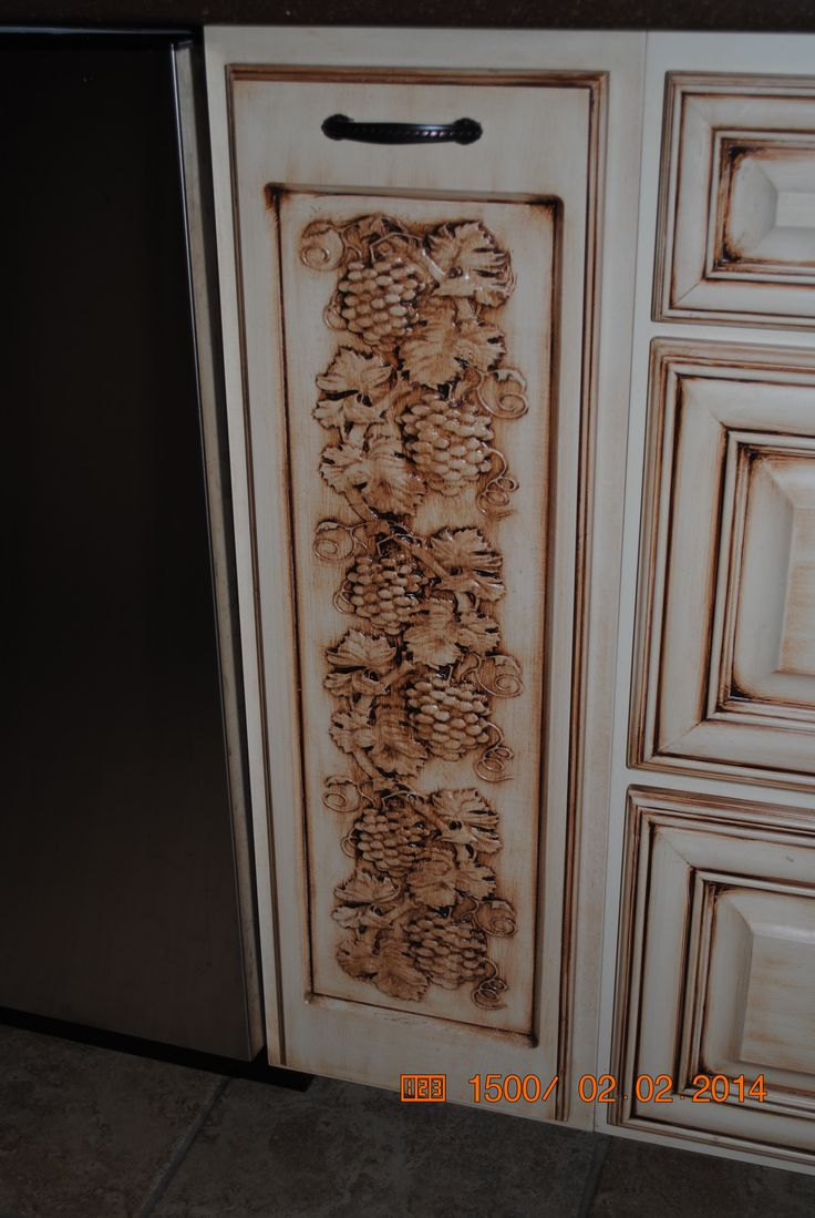 Grape Vine Carving On Cabinet Door My Carvewright