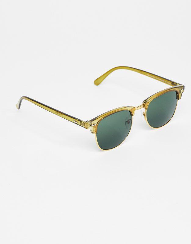 L2017 https://www.pullandbear.com/pl/dla-niej/dodatki/okulary-przeciwsłoneczne/zielone-okulary-przeciwsłoneczne-w-stylu-retro-c1010072574p500287861.html?NEWCOLLECTION