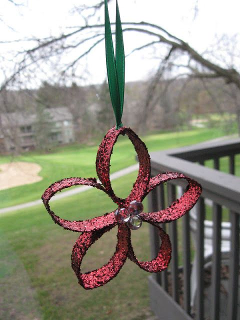 Craft Klatch: Christmas Flower Ornament Recycling Craft~~made from toilet paper rolls