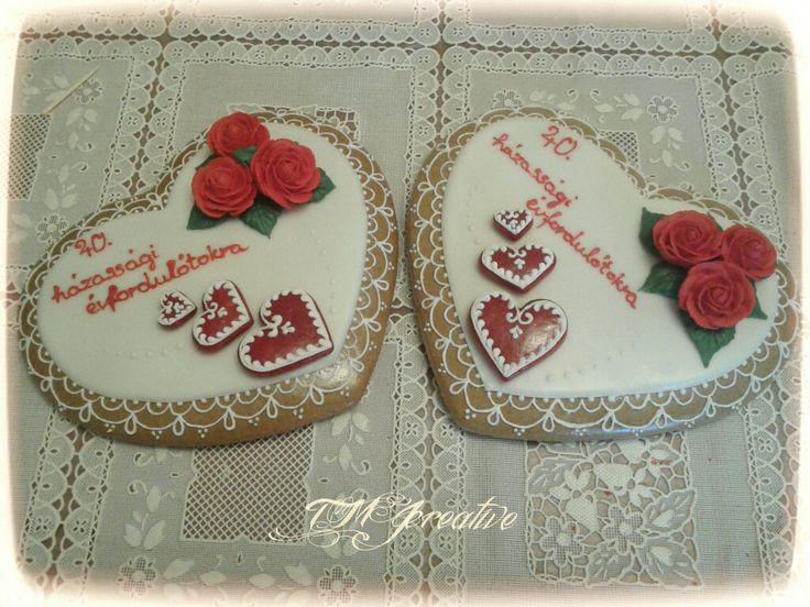 #TMJcreative #royalicing #gingerbread #heartcookie #weddinganniversary #mézeskalács