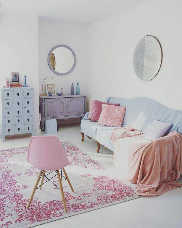 Pastel decor.Pink decor.Blue decor.Pastel living room.