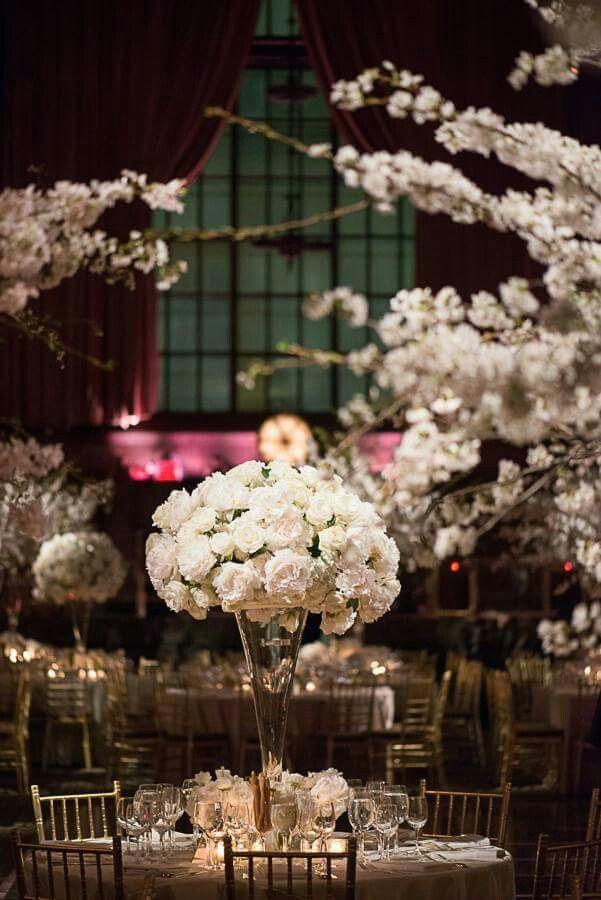 春の式には桜を使いたい♡かわいくてロマンチックな会場装花のまとめ一覧です♡
