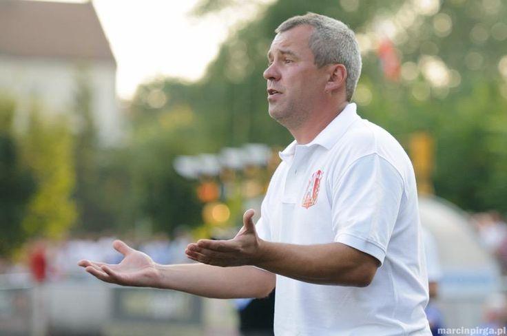 Maciej Huzarski nie będzie już trenerem trzecioligowej Resovii. Wraz z nim odchodzi także Szymon Grabowski.