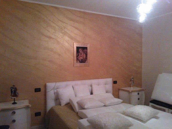 Cerchi una parete particolare come una pietra, con Segui il Tuo ISTINTO puoi, ecco come ha realizzato questa camera da letto Somma Manuel http://www.giorgiograesanclub.com/space_paginaPersonale.php?id=6154  #seguiiltuoistinto #clubggf