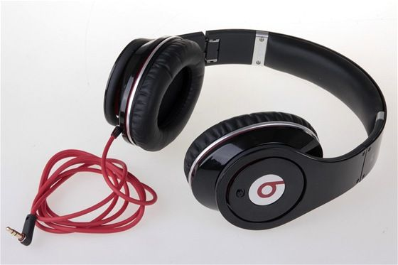 sluchátka výstupní zařízení