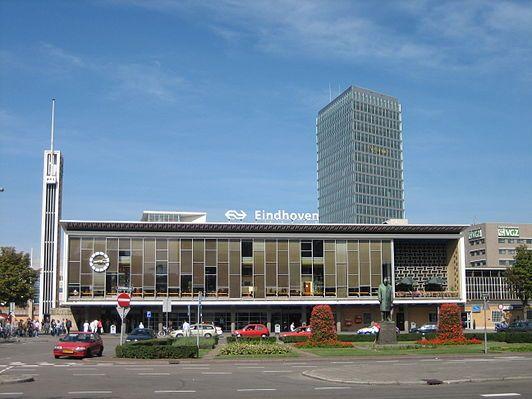 Station Eindhoven - De transistor - in 1978 opgenomen in 'Le temps des gares'