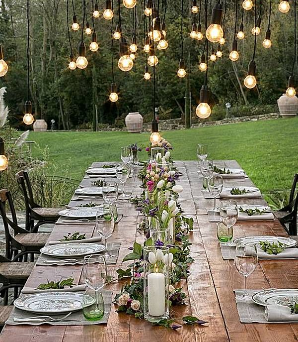Selecionei mesas para festas (de casamento, 15 anos, bodas, noivado, jantares para comemorar datas especiais que você quiser!) que parecem mesmo homenagear a estação das flores, com um toque colorido, romântico e alegre. Inspire-se, comemore e divirta-se!