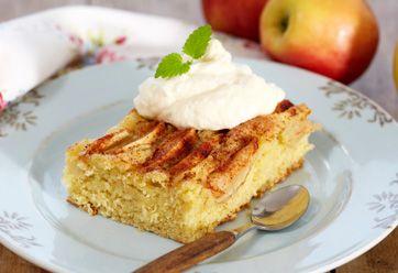 Findes der noget bedre en en dejlig æblekage? Æblekage er en god dessert, som man kan spise på alle årstider. Æblekage vil altid være en favorit, som hele familien kan nyde. Her får du Åses opskrift på en umådelig lækker æblekage.