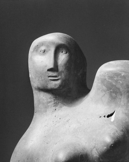 exclamationuu:  Henry Moore