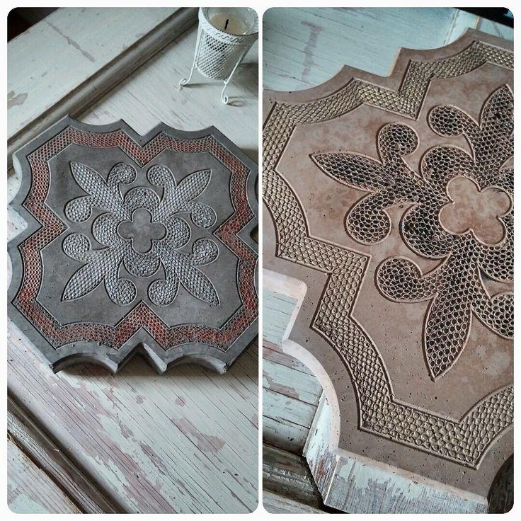 Marockanska plattor gjutna i betong från plastformar