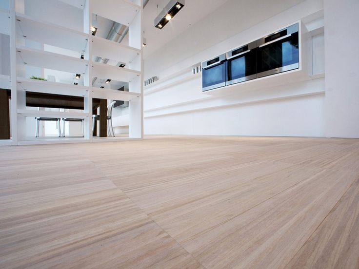 TECHNO  is a trembling and eclectic collection, designed to enhance the natural chromatic vibration of wood and its grains.