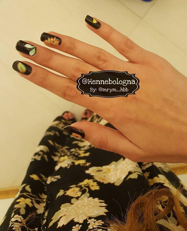 Nails Nailpolish Naildesign Gelpolish Gelpolishnails Red Bologna Italy Girls Hennadesign Henne Tattoo Hand Unghie Bell Tattoo Shop Fashion Jewelry