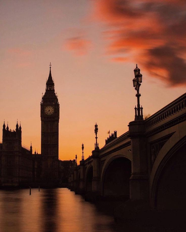 """adore-london: """" Photograph by travelshunter """"[More London here →]"""" """""""