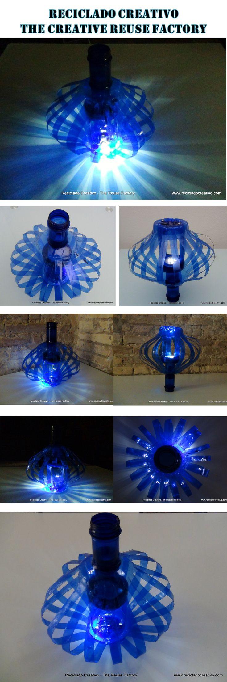 Lámpara realizada con botellas de plástico recicladas de Solán de Cabras. Lamp made with recycled plastic bottles