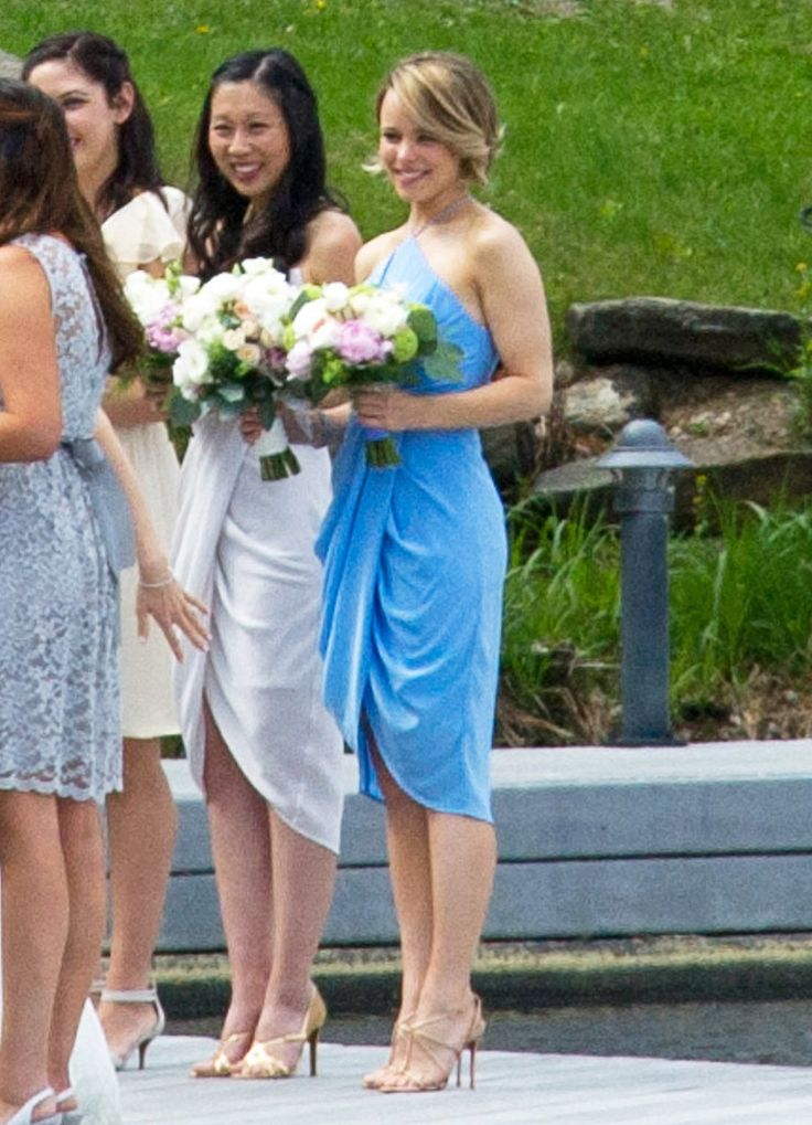 Rachel McAdams bridesmaid dress is gorgeous! Click through see pictures of her sister's sunny wedding.