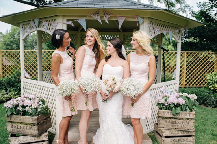 3-Vintage-Floral-Outdoor-Wedding-at-Warwick-House-By-Daffodil-Waves-.jpg 720×479 pixels