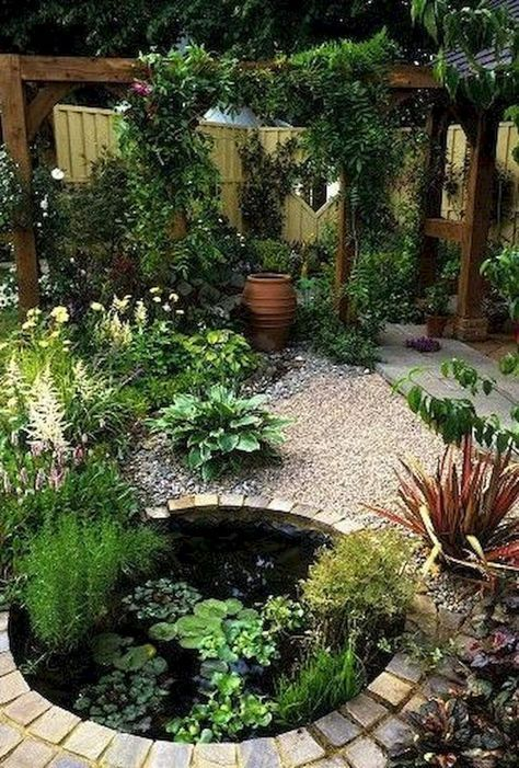 Gorgeous Backyard Ponds and Water Garden Landscaping Ideas (40) #watergarden