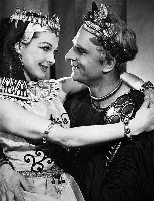 "Vivien Leigh & Lawrence Olivier performed in a season of back to back performances of both Bernard Shaw's ""Caesar & Cleopatra"" and Shakespeare's ""Antony & Cleopatra"". Here is the couple in the Shaw production."