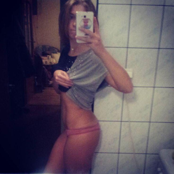 #goodnight #selfie #belly #abs #flatbelly #gain #gainz #workout  #fit #fitness #bodybuilding #bodybuilder #motivation #motivator #personaldiet #personaltrainer #paigehathaway #squat #booty #legs #glutes #muscles #спорт #пп #живот #пресс #присед #кач #мотивация #фитоняша by mixafit