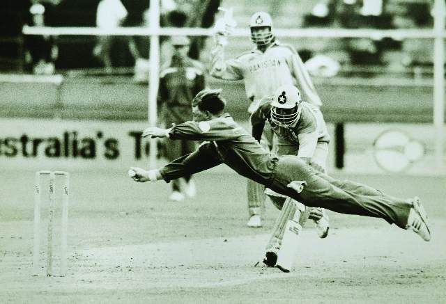 That awesome moment which changed the meaning of the word fielding, forever! Jonty Rhodes, the King!