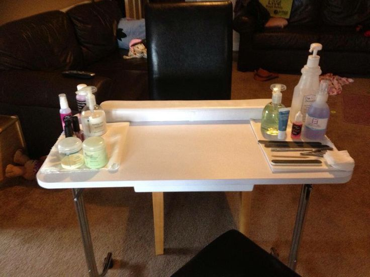 Manicure table all set up