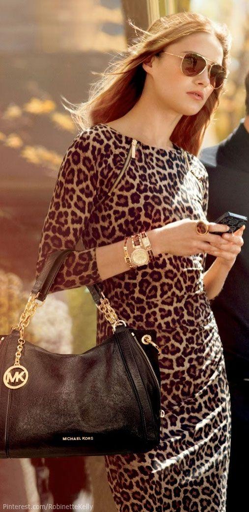 Superb dress in leopard
