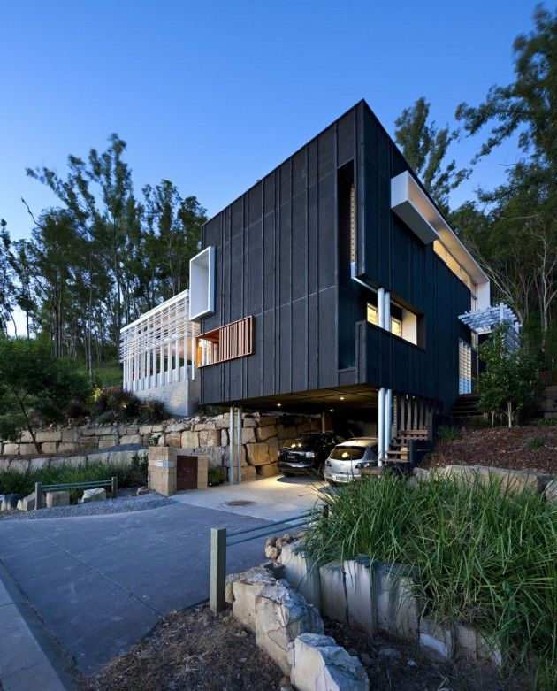 Base Architecture designed the Stonehawke House in Brisbane, Australia.