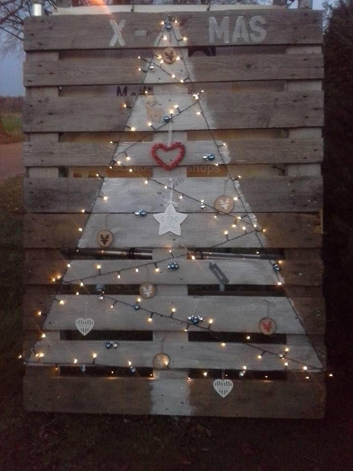 Kerstboom op 2 pallets