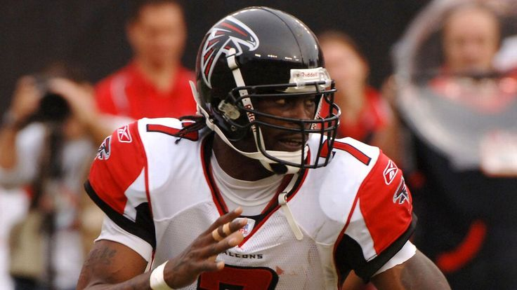 'Falcons for life' Vick, White to be honored Mon. #FansnStars