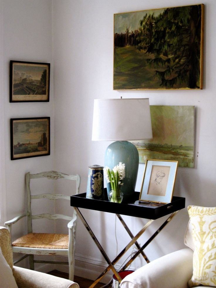 vintage paintings: Trays Tables, Art Corner, Side Tables, Living Rooms, Cozy Corner, First Apartment, Apartment Therapy, End Tables, Vintage Art
