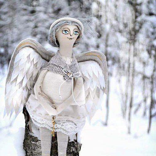 В такое морозное утро на улице одни такси и, кажется, невидимые глазу прозрачные Ангелы... С Рождеством! ❄ ❄ ❄  #Рождество #Каляды #беларускаязіма #мороз #ангел #снежныйангел #ruza_artdoll #artdoll #художественнаякукла #снег #snow #winter #january #winterinbelarus #angel #snowingangel #празрыстасць #натхненне #artbelarus #волшебство #fairytail #казка #анёл  #wight #белымбело