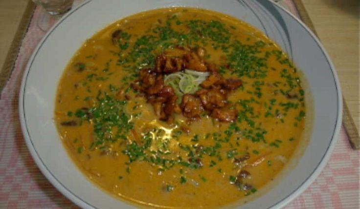 Vilken soppa skulle man kunna säga, den blev både matig och god! Jag har gjort den några gånger men aldrig tidigare skrivit ner receptet, men nu finns det på pränt. En soppa som kan serveras både som förrätt och varmrätt.