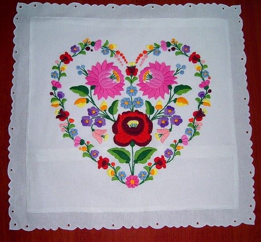 """Embroidery from Hungary (""""kalocsai"""")"""