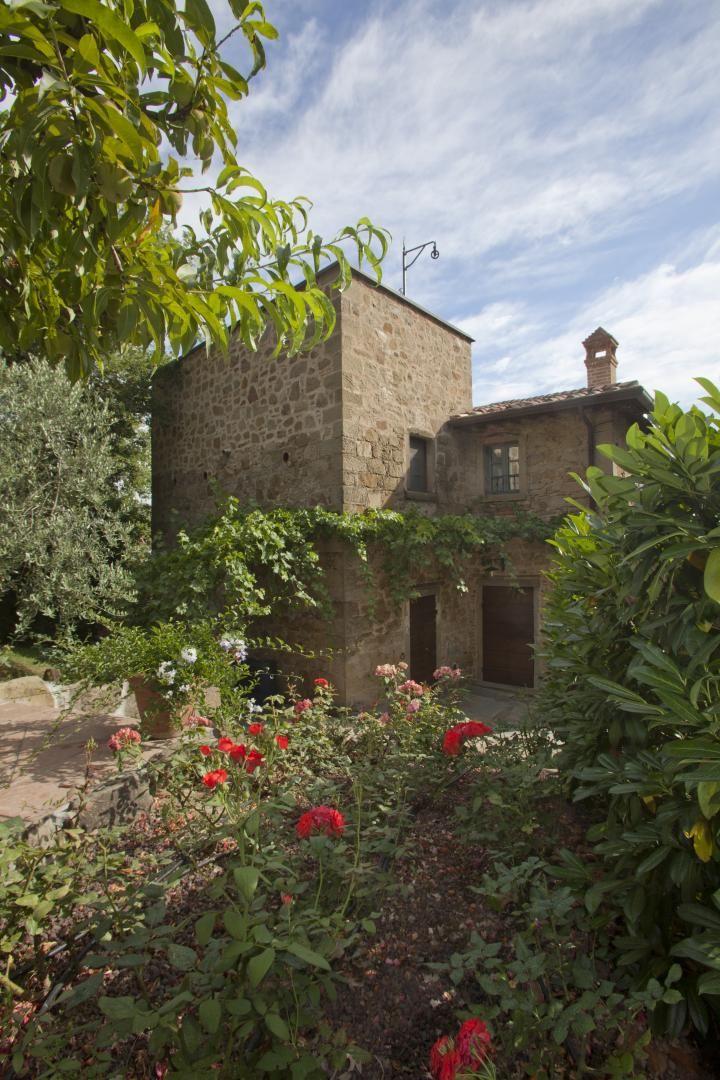 Luxe villa in Toscaanse stijl in historische setting, mooi groepsverblijf bij Arezzo boekt u via Tritt.