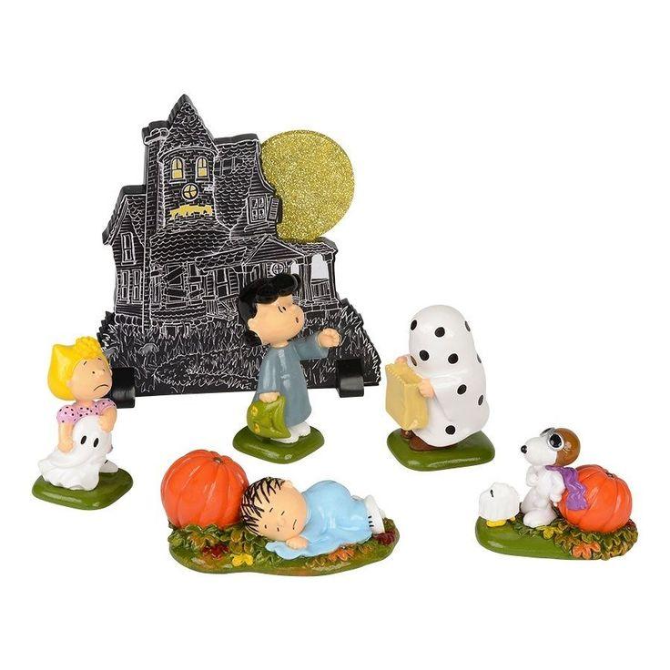 Peanuts Halloween Haunted House Charlie Brown Figurine Set