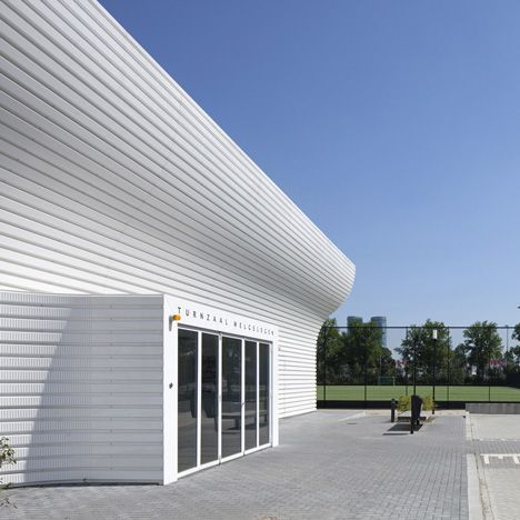 Simple measures but fantastic result: Gym Hall Nieuw Welgelegen by NL Architects