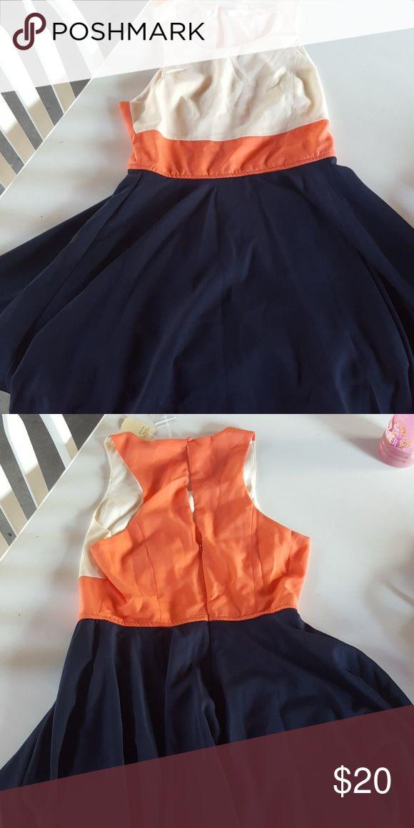 NWT Von Maur dress blue, peach, and cream dress Von maur Dresses Midi