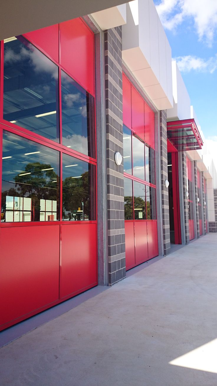 Bi Fold Counterweight Doors