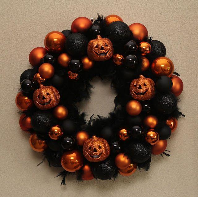 Halloween Ornament Wreath Good Housekeeping   http://www.housebeautiful.com/home-remodeling/diy-projects/g3622/halloween-wreaths/?slide=20