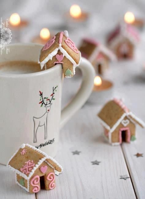 Mini gingerbread house for hot chocolate cups...link for a DIY version here:http://www.notmartha.org/archives/2009/12/18/a-gingerbread-house-that-perches-on-the-rim-of-your-mug/