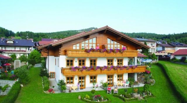 Landhaus Florian - 4 Star #Apartments - $56 - #Hotels #Germany #Bodenmais http://www.justigo.co.in/hotels/germany/bodenmais/landhaus-florian-bodenmais_201729.html
