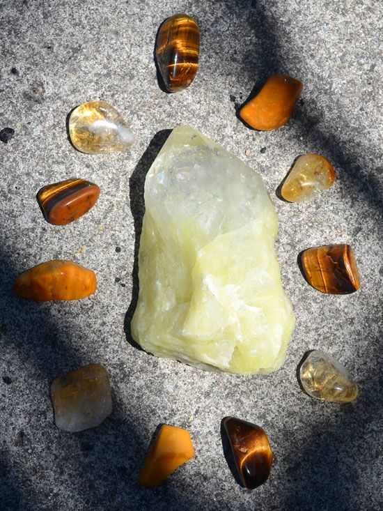 Wearing and meditating with yellow gemstones increases your willpower, focus and motivation. Yellow crystals also help to balance your solar plexus chakra.