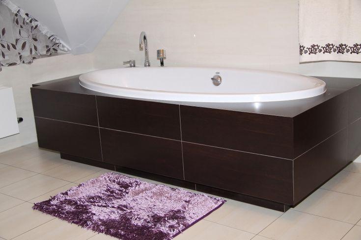 Fioletowy dekoracyjny dywanik łazienkowy