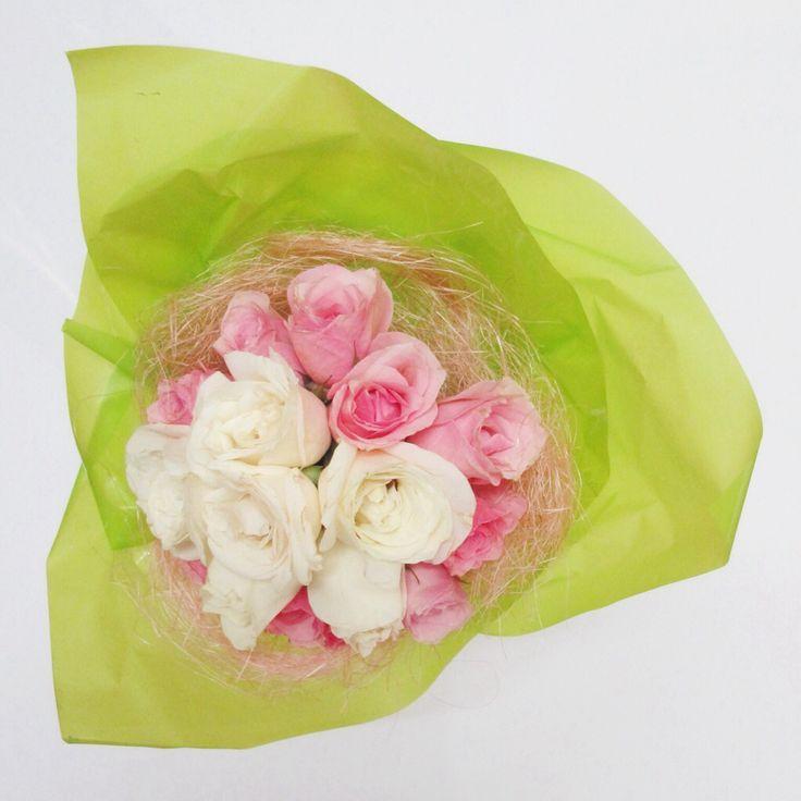 Hand bouquet | kitty manu