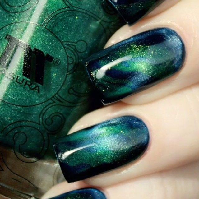 """#videotutorial  Магнитные лаки  #masura """"Шелковый путь"""" - 904-190(кобальтовый дамаскет)+ 904-178(изумрудное сари) / Magnet nail polish Masura"""