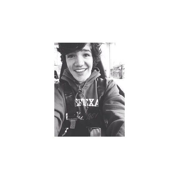 Aaron Carpenter aaron carpenter ❤ liked on Polyvore featuring aaron carpenter and magcon