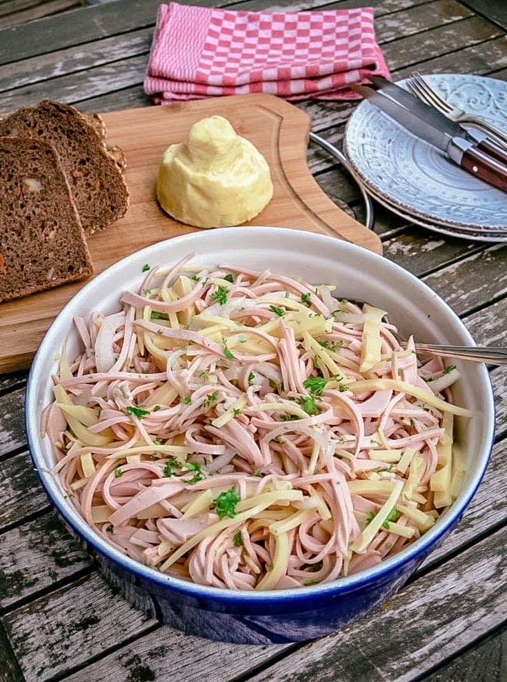 Schwabischer Wurstsalat Mit Kase Rezept Wurstsalat Wurst Kase Salat Wurstsalat Rezept