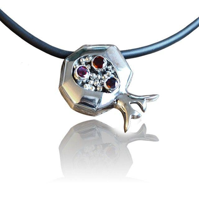 jewellery pendant sterling silver #jewelry #sterlingsilver #granate #gemstones
