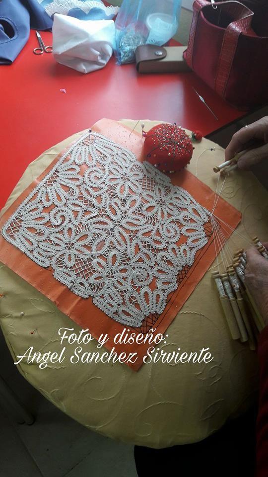 Angel Sanchez, tape lace