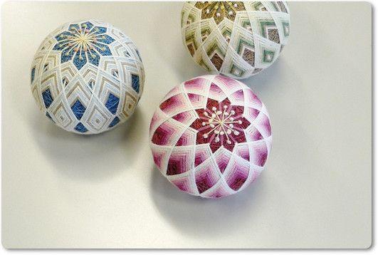 temari with interwoven diamond obi makes an interesting kiku-like affect with a nice colour-fade effect